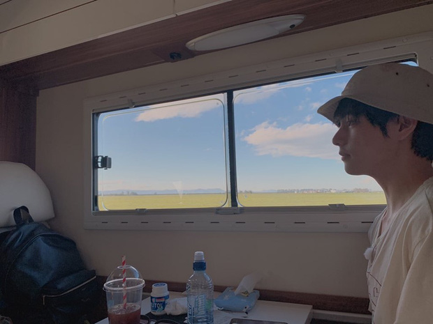 Vừa mới quay trở lại Twitter, V (BTS) đã khiến dân tình náo loạn với loạt ảnh du lịch New Zealand đẹp như poster phim điện ảnh vậy! - Ảnh 4.