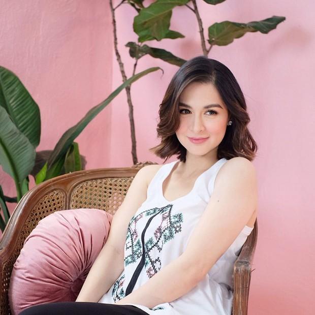 Can đảm xén tóc, mỹ nhân đẹp nhất Philippines gặp kết quả bất ngờ: Xinh, sang lên bội phần, lại còn hack tuổi đỉnh cao - Ảnh 7.