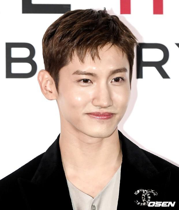 Choáng với sự kiện toàn sao hạng A: 2 nữ thần Kpop bị bạn gái Kim Woo Bin đè bẹp, Lee Dong Wook thế này ai đọ được? - Ảnh 16.