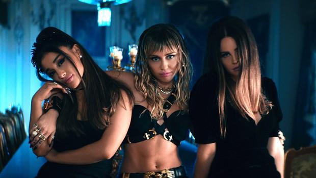 """Dân mạng phẫn nộ vì Miley Cyrus phớt lờ công sức của Lana Del Rey khi trình diễn sân khấu đầu tiên của """"Don't Call Me Angel"""" - Ảnh 3."""