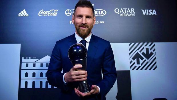 Đánh bại Ronaldo và Van Dijk, Messi giành giải thưởng Cầu thủ hay nhất thế giới năm 2019 - Ảnh 1.