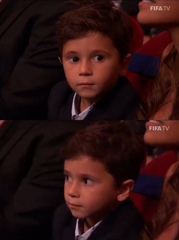 Cậu hai nhà Messi gây sốt với biểu cảm cực đáng yêu khi cha đang nhận giải thưởng cao quý, chiếm trọn spotlight của buổi lễ - Ảnh 2.