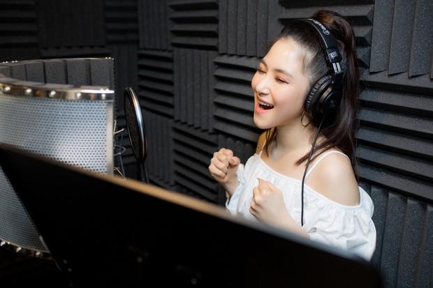 Hô hào tạm giải nghệ trong 2 năm, ai dè mới qua 5 tháng Hương Tràm đã rùm beng tung teaser cho màn tái xuất với ca khúc mới - Ảnh 3.
