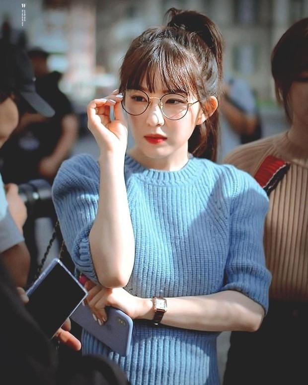 Trọn bộ khoảnh khắc đẹp rụng rời của Irene (Red Velvet) trên sân khấu, danh xưng tiên tử kết màn không phải chỉ để trưng! - Ảnh 1.