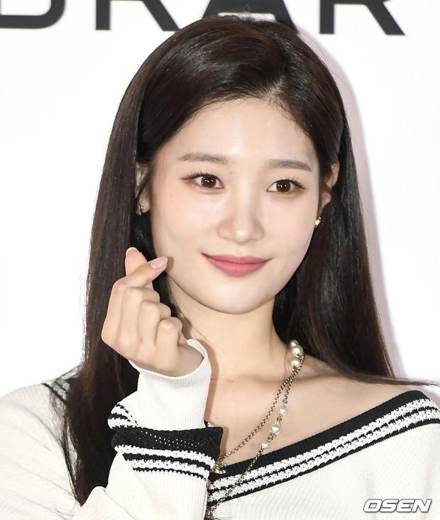 Choáng với sự kiện toàn sao hạng A: 2 nữ thần Kpop bị bạn gái Kim Woo Bin đè bẹp, Lee Dong Wook thế này ai đọ được? - Ảnh 11.