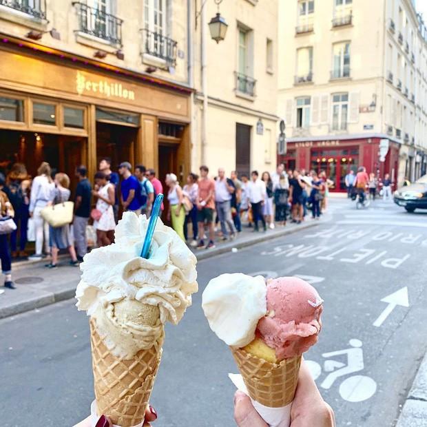 """Có những người """"cuồng"""" đồ Việt như Kỳ Duyên - Minh Triệu: Bay ngàn cây số sang Paris để dắt nhau đi ăn… phở với bún bò - Ảnh 5."""