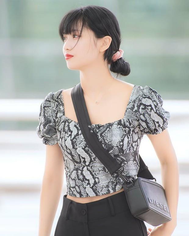 Bình thường là thế nhưng tóc búi thấp lại đang được idol Hàn sủng nịnh, càng ngắm càng thấy sang quá đỗi - Ảnh 7.