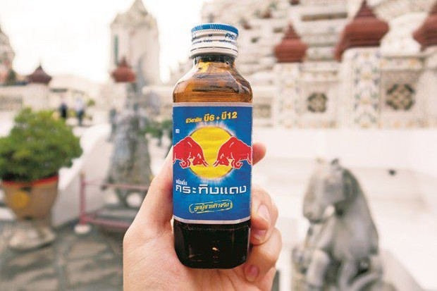 Gia tộc Red Bull: Ông nội từ tay trắng thành tỷ phú Thái Lan, cháu đích tôn sống xa xỉ, lái xe gây tai nạn chết người vẫn chưa đền tội - Ảnh 2.