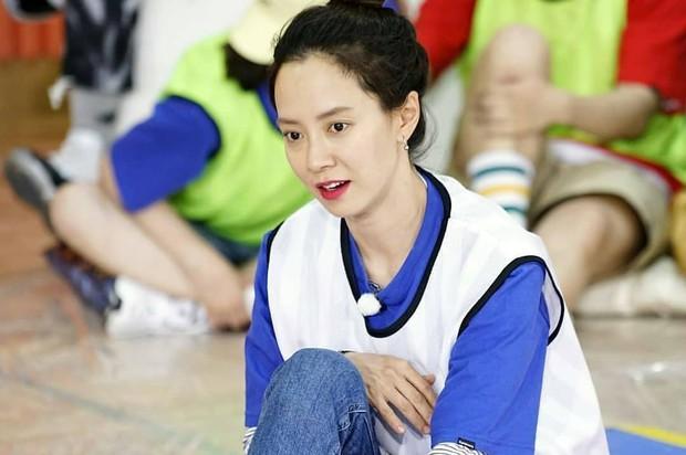 Tạo hóa ưu ái cho Song Ji Hyo gương mặt trẻ trung nhưng để hack từ 38 tuổi mà trông như gái đôi mươi, cô đã áp dụng 3 tips - Ảnh 14.