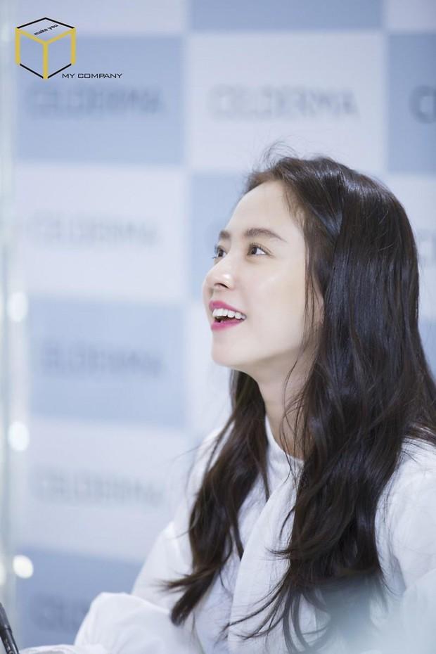 Tạo hóa ưu ái cho Song Ji Hyo gương mặt trẻ trung nhưng để hack từ 38 tuổi mà trông như gái đôi mươi, cô đã áp dụng 3 tips - Ảnh 3.