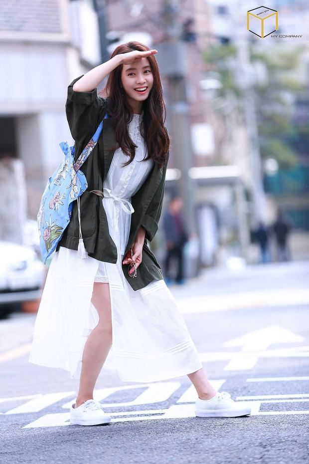 Tạo hóa ưu ái cho Song Ji Hyo gương mặt trẻ trung nhưng để hack từ 38 tuổi mà trông như gái đôi mươi, cô đã áp dụng 3 tips - Ảnh 8.