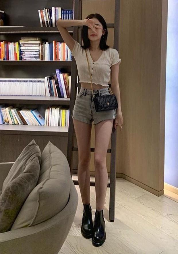 Đại chiến vòng eo mỹ nhân Hoa Hàn: BLACKPINK - Dương Mịch chăm show body, Địch Lệ Nhiệt Ba khoe khéo ít ai ngờ - Ảnh 25.