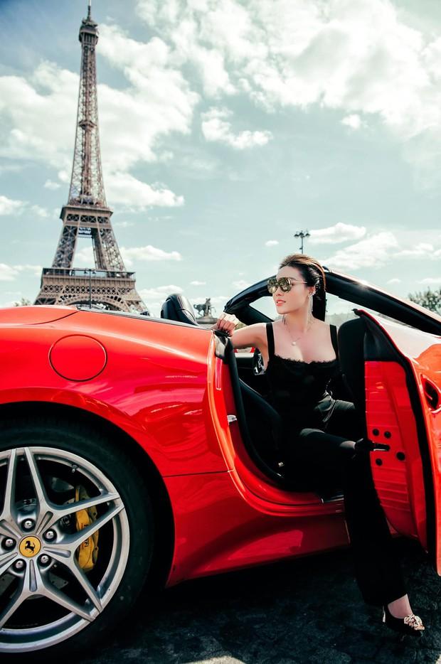 Nữ giảng viên sexy Âu Hà My cùng chồng tung bộ ảnh cưới bên siêu xe Ferrari dưới chân tháp Eiffel - Ảnh 3.