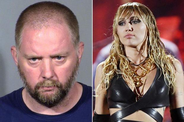SỐC: Miley Cyrus suýt nữa bị fan cuồng sát hại khi trình diễn tại sân khấu iHeart Radio Festival - Ảnh 1.