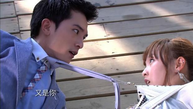 8 phim kinh điển của Khưu Trạch - người đang u mê Trương Quân Ninh: Hoá ra từng là màu tím ở Dear Ex? - Ảnh 11.