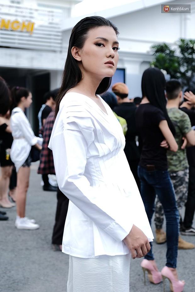Bản sao Hoàng Thùy, thí sinh Hoa hậu Hoàn vũ... gây ấn tượng tại buổi casting Vietnams Next Top Model 2019 - Ảnh 12.