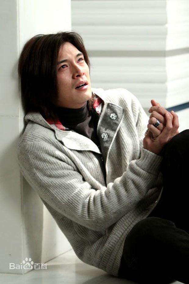 8 phim kinh điển của Khưu Trạch - người đang u mê Trương Quân Ninh: Hoá ra từng là màu tím ở Dear Ex? - Ảnh 8.
