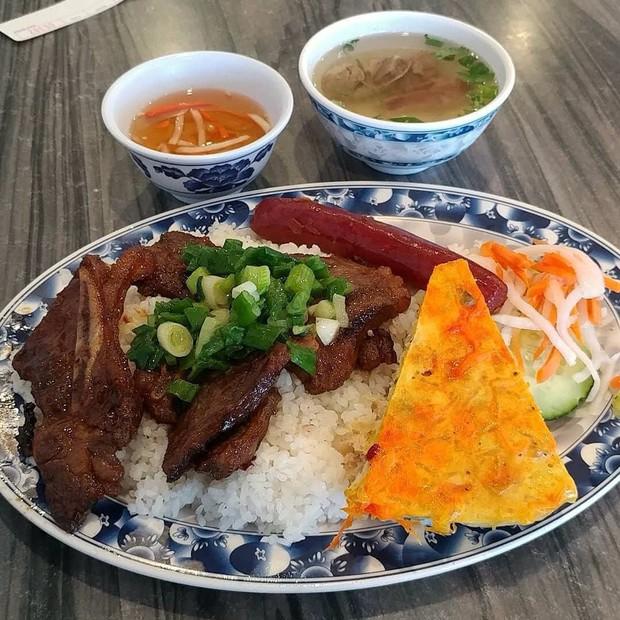 """Những món cơm Việt tên lạ """"muốn xỉu"""": món nghe như đánh nhau, món thì thấy... đổ máu nhưng ăn vào thì ngon """"bá cháy"""" - Ảnh 2."""