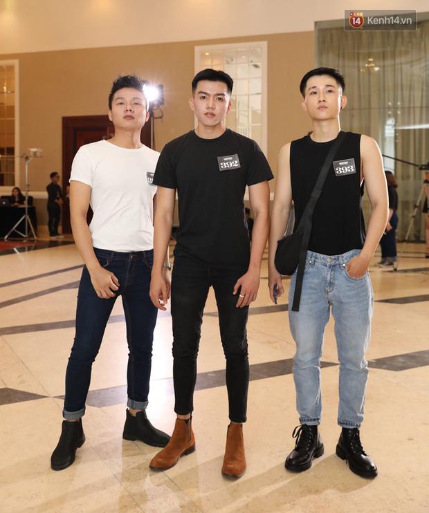 Bản sao Hoàng Thùy, thí sinh Hoa hậu Hoàn vũ... gây ấn tượng tại buổi casting Vietnams Next Top Model 2019 - Ảnh 10.