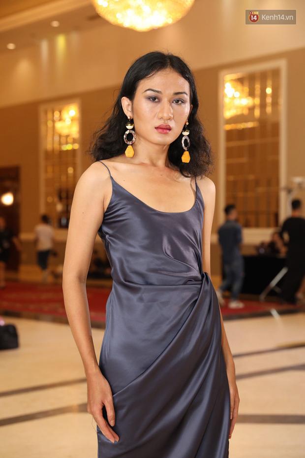Bản sao Hoàng Thùy, thí sinh Hoa hậu Hoàn vũ... gây ấn tượng tại buổi casting Vietnams Next Top Model 2019 - Ảnh 16.
