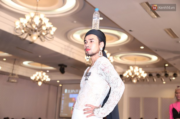 Chàng trai mặc váy đại náo Vietnams Next Top Model: Giả gái nhưng không cạo râu vì tôi thích thế - Ảnh 10.