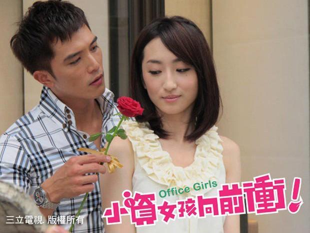 8 phim kinh điển của Khưu Trạch - người đang u mê Trương Quân Ninh: Hoá ra từng là màu tím ở Dear Ex? - Ảnh 12.