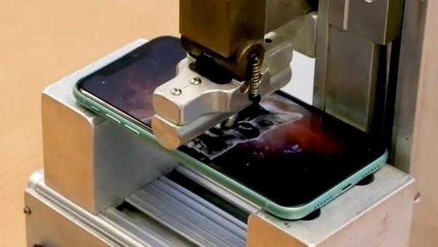 Tra tấn iPhone 11 Pro: Khá bền nhưng đáng tiếc... không có phép màu nào đặc biệt - Ảnh 1.