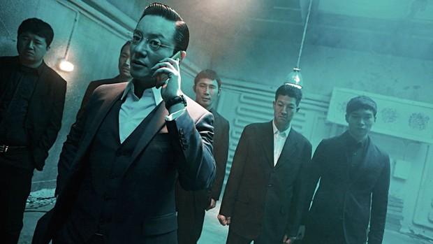 Kwon Sang Woo tái xuất màn ảnh với nước cờ sinh tử cực ngầu: Thời kì huy hoàng của các chú U50 là đây? - Ảnh 5.