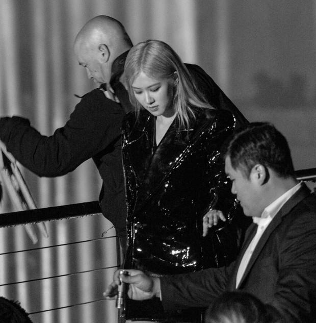 4 mỹ nhân BLACKPINK đánh lẻ dự sự kiện quốc tế: Hội chị và em đối lập hoàn toàn, Jennie không phải là nổi nhất - Ảnh 20.