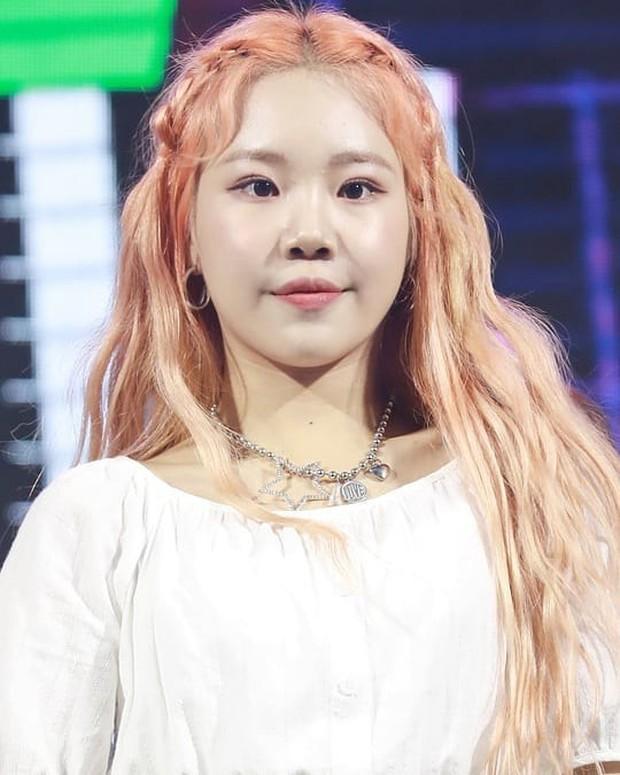 Rần rần nữ idol xấu nhất lịch sử Kpop lột xác xinh xắn bất ngờ hậu giảm cân, nhưng ảnh thực tế đã bóc mẽ tất cả - Ảnh 5.