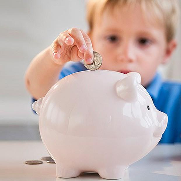 Tại sao các bậc cha mẹ nên dạy con cái về tiền bạc từ nhỏ và dạy chúng như thế nào cho đúng? - Ảnh 1.