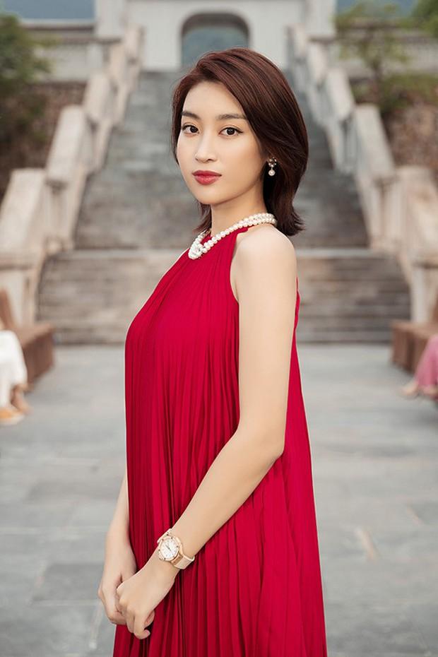 Đỗ Mỹ Linh đã có đồng hồ 500 triệu để đeo, xem ra danh xưng Hoa hậu nghèo nhất Việt Nam tan tành mây khói rồi - Ảnh 3.