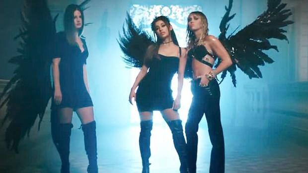 """Dân mạng phẫn nộ vì Miley Cyrus phớt lờ công sức của Lana Del Rey khi trình diễn sân khấu đầu tiên của """"Don't Call Me Angel"""" - Ảnh 1."""