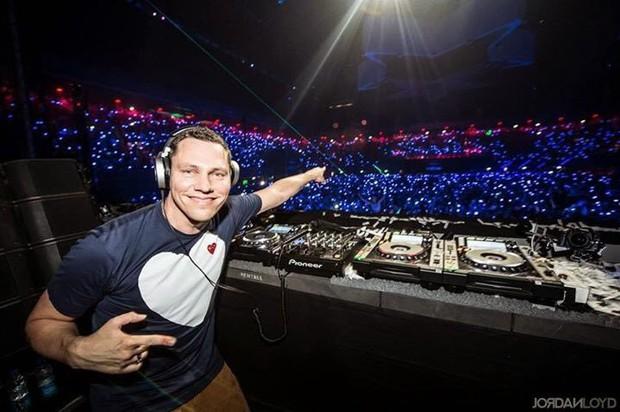 Nghi vấn copy EXO còn chưa ngã ngũ, X1 tiếp tục bị tố đạo nhái bản hit của DJ nổi tiếng Tiësto, chuyên gia nhận định ra sao? - Ảnh 3.