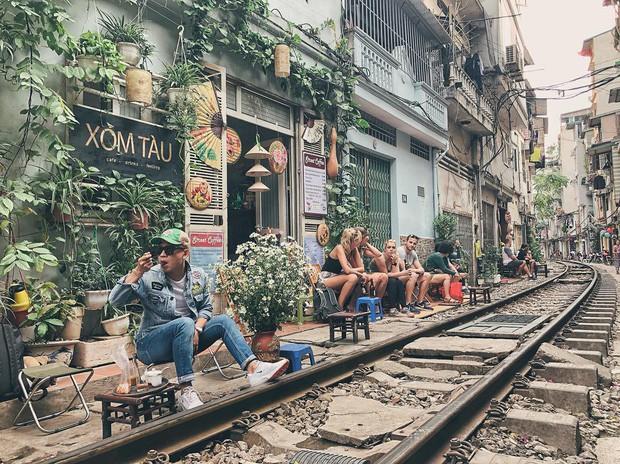 """Có gan mới dám ghé 3 con phố đường tàu nổi tiếng khắp châu Á: Xóm Phùng Hưng ở Hà Nội là """"đáng sợ"""" nhất! - Ảnh 8."""