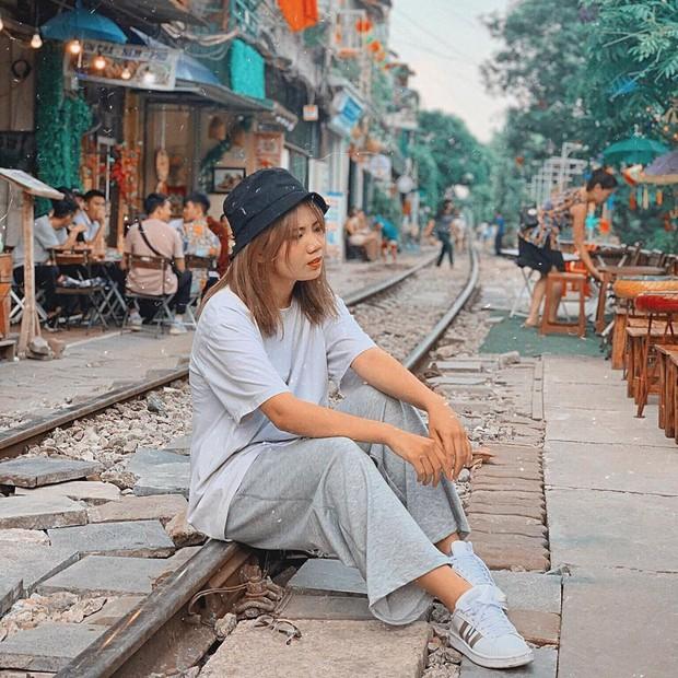 """Có gan mới dám ghé 3 con phố đường tàu nổi tiếng khắp châu Á: Xóm Phùng Hưng ở Hà Nội là """"đáng sợ"""" nhất! - Ảnh 9."""