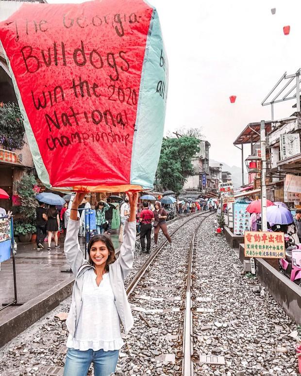 """Có gan mới dám ghé 3 con phố đường tàu nổi tiếng khắp châu Á: Xóm Phùng Hưng ở Hà Nội là """"đáng sợ"""" nhất! - Ảnh 30."""