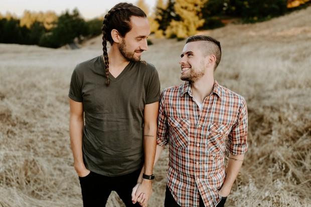 Bộ ảnh thần thái của cặp đôi LGBT khiến ai cũng kinh ngạc: Không dám tin được chụp bằng iPhone 11 Pro - Ảnh 10.