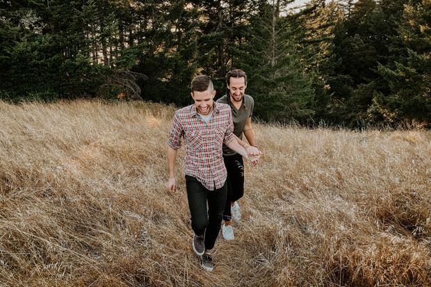 Bộ ảnh thần thái của cặp đôi LGBT khiến ai cũng kinh ngạc: Không dám tin được chụp bằng iPhone 11 Pro - Ảnh 13.