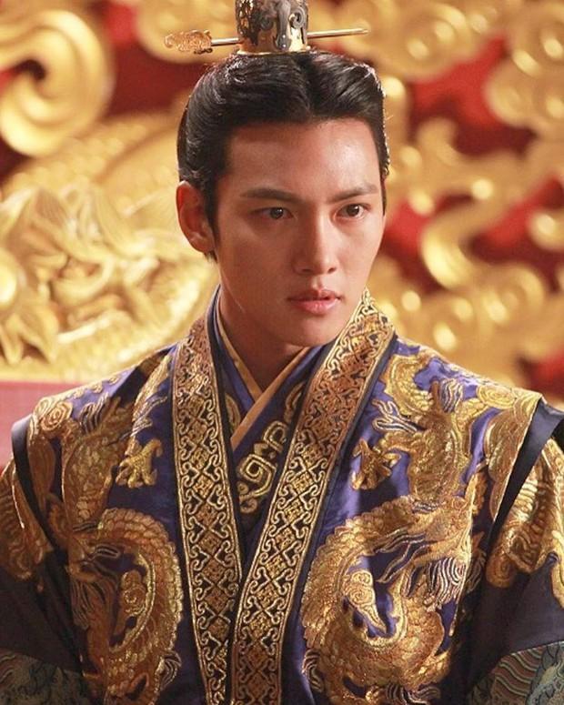 Tầm quan trọng của tóc tai với trai Hàn: Không phải lúc nào vuốt keo rồi cắt trụi cũng thành nam thần cực phẩm! - Ảnh 19.