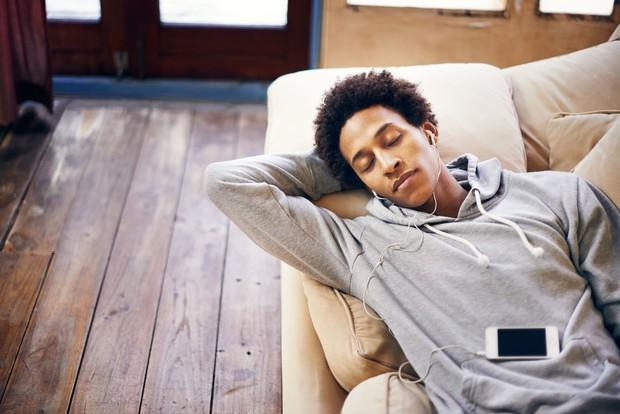 Giảm 48% nguy cơ mắc bệnh về tim nếu dành thêm thời gian ngủ trưa - Ảnh 2.