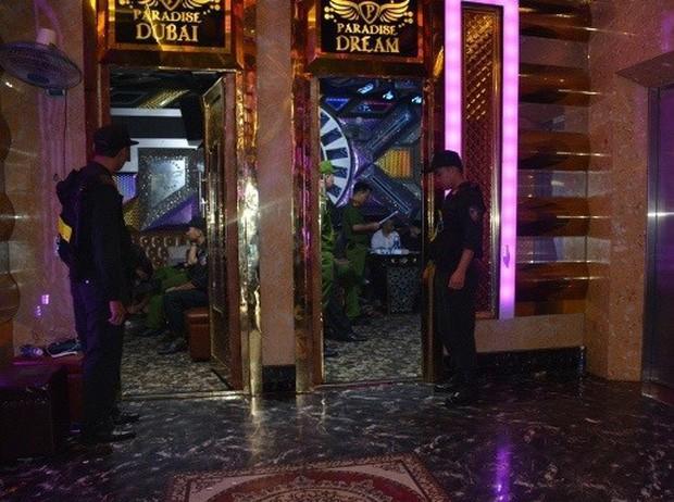 Vụ 100 cảnh sát đột kích karaoke Paradise: Chân dài và những dân chơi xăm trổ - Ảnh 3.