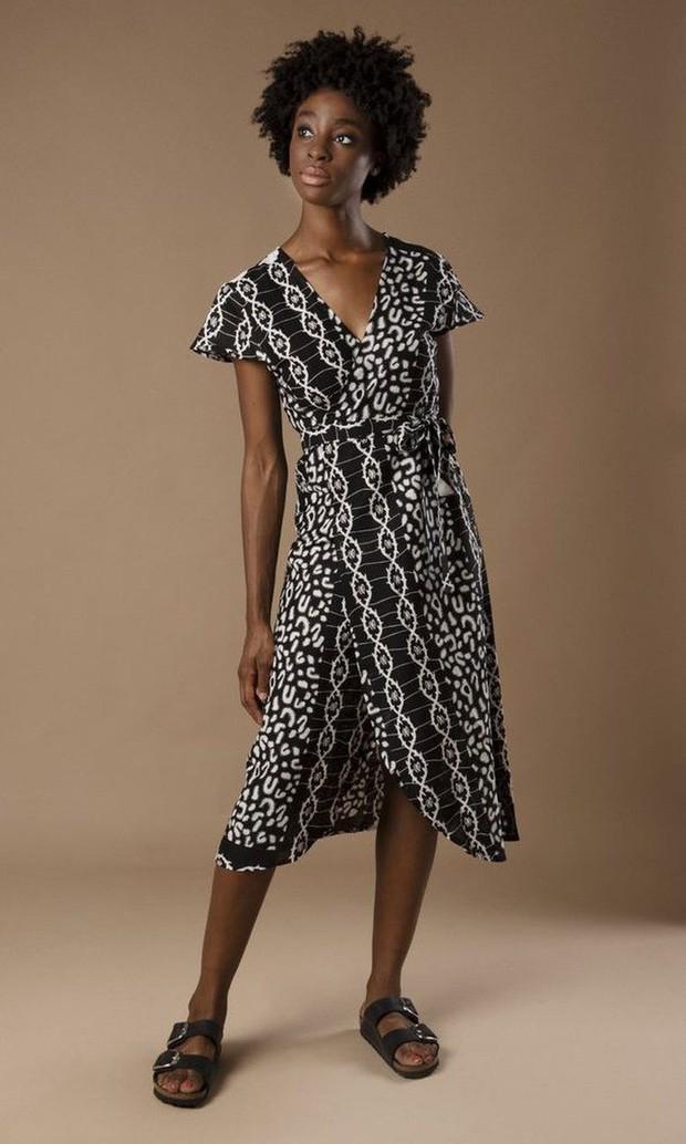 Bị chê phản cảm, Meghan Markle vẫn khiến mẫu váy hở hang cháy hàng, dân tình tranh nhau mua với giá đắt gấp 10 lần - Ảnh 3.