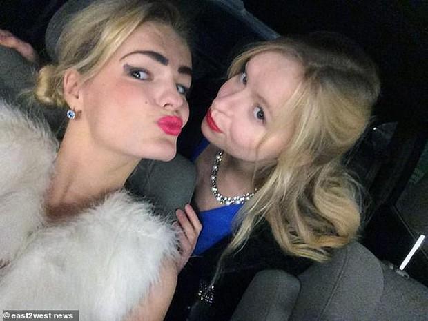 Ghen tị với sự nổi tiếng của em gái người mẫu, cô chị tạo ra thảm kịch điên cuồng khiến ai chứng kiến cũng phải sốc - Ảnh 4.