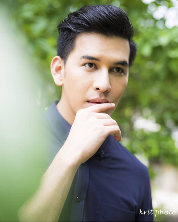 SỐC: Trước khi phát hiện tự tử nhà riêng, nam diễn viên xứ Chùa Vàng vẫn tươi tắn chụp ảnh định trang ở phim của Yaya Urassaya - Ảnh 5.