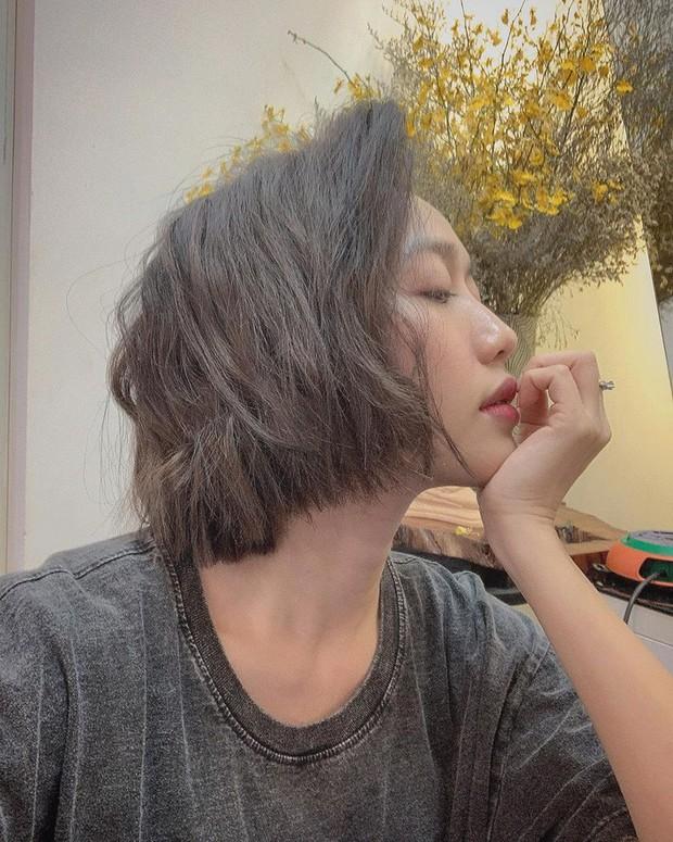 Chuẩn bị trở thành bản sao của Ngọc Trinh, Diệu Nhi hết xin túi hiệu lại đến cắt tóc ngắn giống hệt - Ảnh 6.