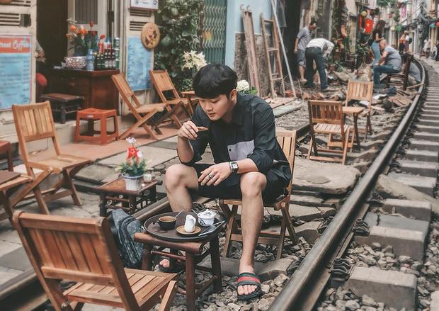 """Có gan mới dám ghé 3 con phố đường tàu nổi tiếng khắp châu Á: Xóm Phùng Hưng ở Hà Nội là """"đáng sợ"""" nhất! - Ảnh 7."""