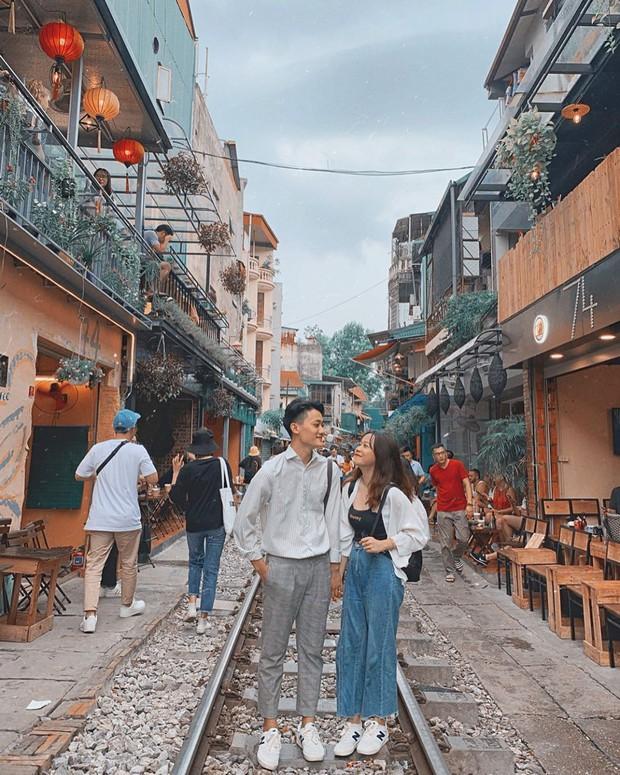 """Có gan mới dám ghé 3 con phố đường tàu nổi tiếng khắp châu Á: Xóm Phùng Hưng ở Hà Nội là """"đáng sợ"""" nhất! - Ảnh 5."""