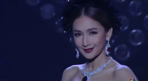 Cẩm nang catwalk của nữ thần phim Thái: Xuất thần thế này thí sinh Next Top Model cũng phải chào thua! - Ảnh 4.