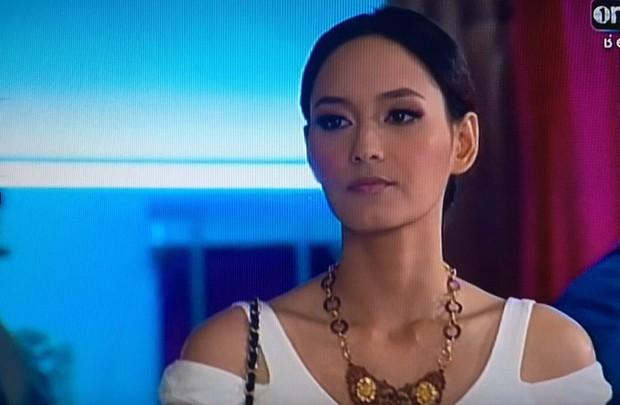 Cẩm nang catwalk của nữ thần phim Thái: Xuất thần thế này thí sinh Next Top Model cũng phải chào thua! - Ảnh 11.